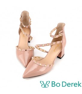 Bo Derek 漆皮鉚釘繞踝側空高跟鞋-奶茶色