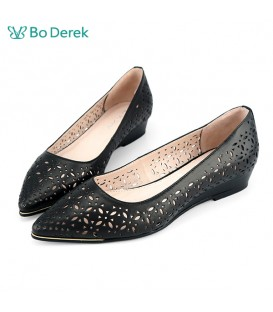 Bo Derek 雷射雕花尖頭平底鞋-黑色